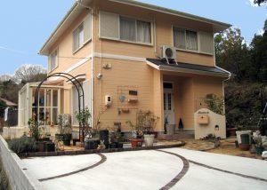 ガーデンルームもあるガーデン愛好家のエクステリア 宇部市K邸