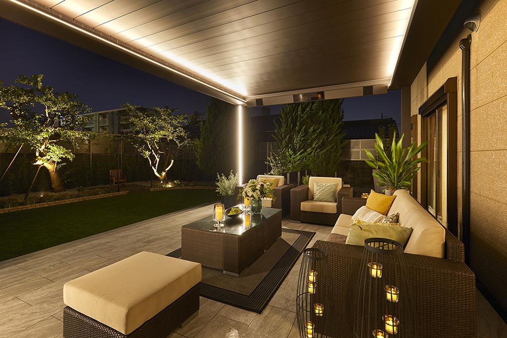 日本最初の施工 LIXIL ANNEX  <br /> ガーデンアメニティの極み  <br /> この秋発売ですが、先行完成<br /> ルーフが動く、シェードが動く<br /> LED が灯る 宇部市 F様邸