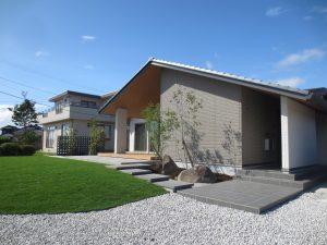 美しい芝庭をのぞむ 宇部市M様邸 完成しました。