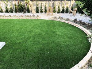 人工芝をキレイに仕上げる独自の特殊施工法を確立!