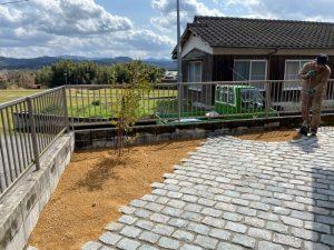 欧州アンティーク石畳で美しいアプローチ 下関市K様邸