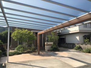 カーポートの屋根がカッコよすぎる。スカイリード